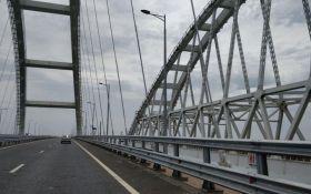 На Крымском мосту произошло первое ДТП: появились подробности