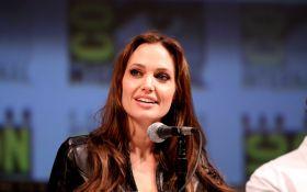 Анджелина Джоли готовит для всех фанатов невероятный сюрприз