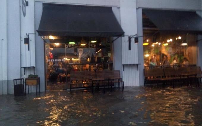 Прикарпатье затопило и засыпало градом: опубликованы фото и видео