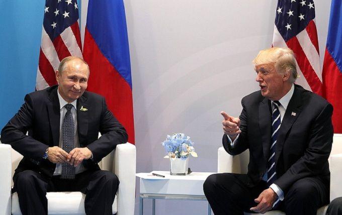 New York Magazine безжалостно высмеял Трампа и Путина на обложке нового номера