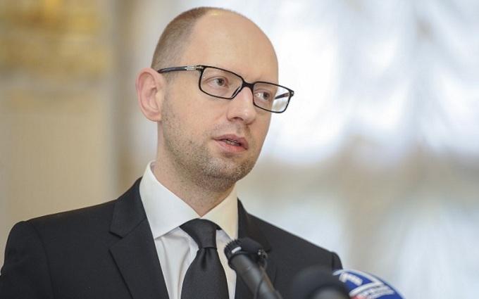 У журналистов появились сведения о дате добровольной отставки Яценюка
