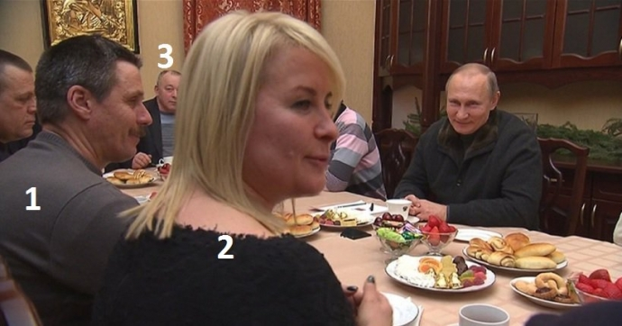 Кочующий цирк: на фото с Путиным увидели смешную и скандальную деталь (1)