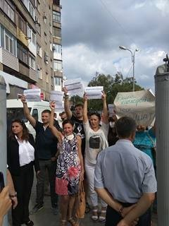 """У Порошенка на Донбасі стався конфуз із """"прихильниками Путіна"""": опубліковані фото і відео (1)"""