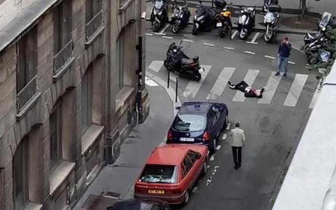 У Парижі невідомий влаштував криваву різанину: опубліковані фото і відео