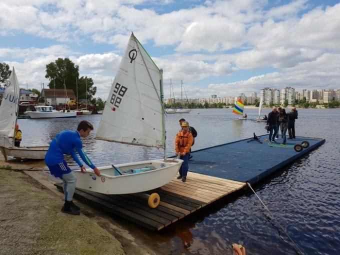 Киевский яхт-клуб «Оболонь» устроил День открытых дверей для школьников (2)