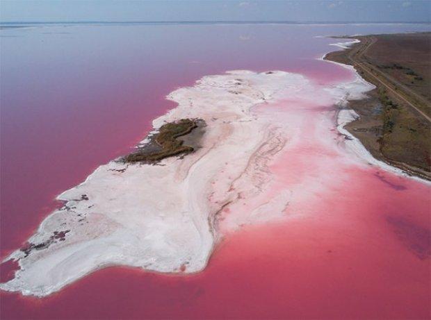 Фото украинского озера опубликовали в National Geographic - фантастические снимки (3)