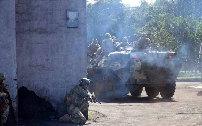Боевики из тяжелого вооружения обстреляли Новолуганское: среди бойцов ВСУ есть раненые