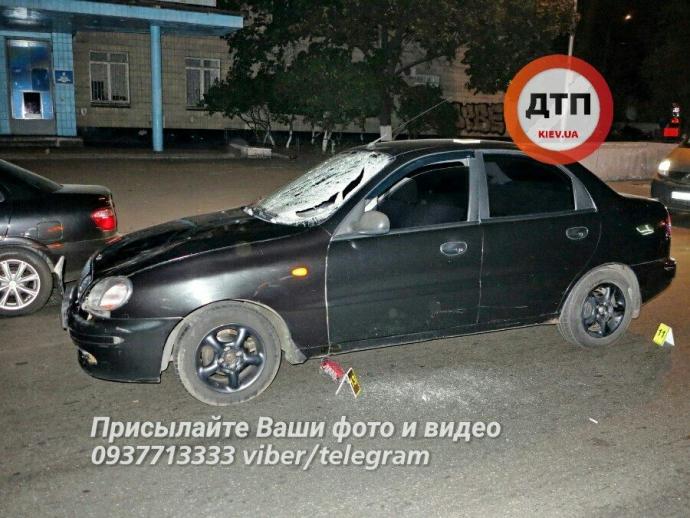 У Києві сталася смертельна ДТП: фото з місця аварії (1)
