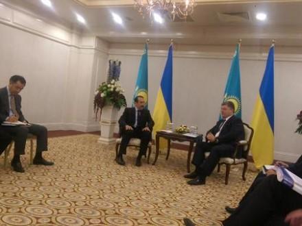 Порошенко проводить переговори в Казахстані з прем'єр-міністром (1)
