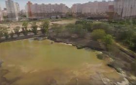 У Києві розгорається скандал з озером, яке засипали отрутою: опубліковано відео