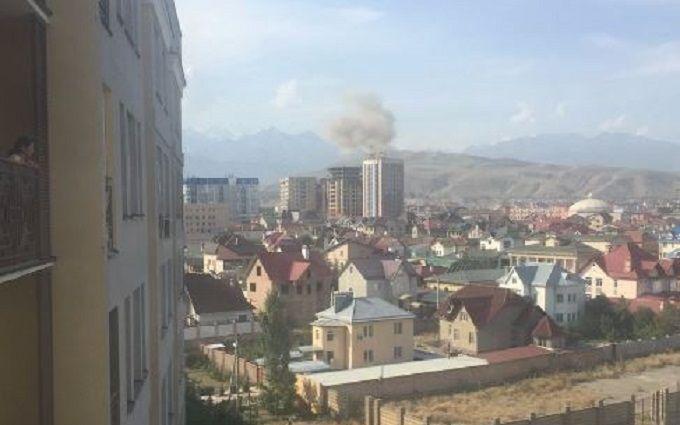 Біля посольства Китаю в столиці Киргизії стався потужний вибух: з'явилися фото
