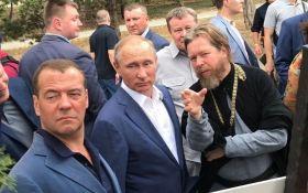 """""""Шизоидная история"""": у Путина разозлились на новые мощные санкции Запада"""