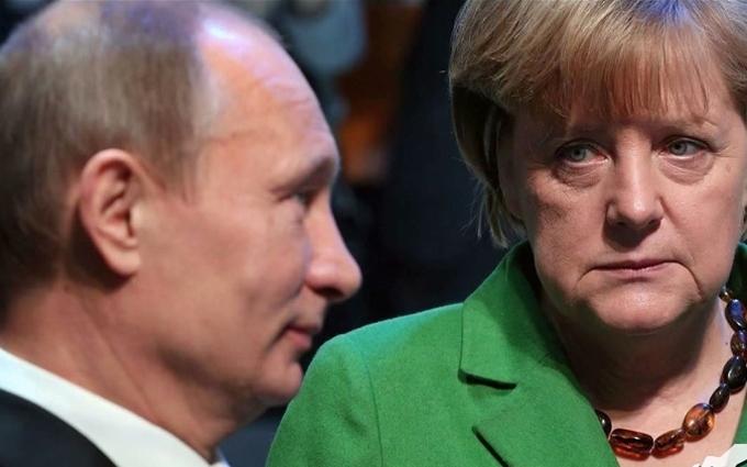 """У Путіна прокоментували """"ніж у спину"""" від Меркель"""