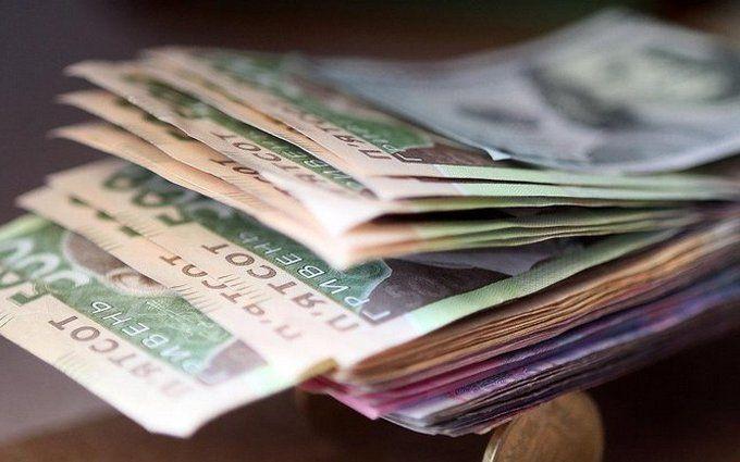 В октябре в Украине существенно выросли зарплаты