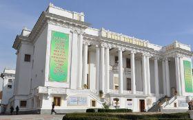 В Таджикистане милиционеров заставили дважды в месяц посещать театры