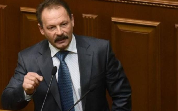 """Скандальный нардеп угрожает """"скрутить Яценюку шею"""""""