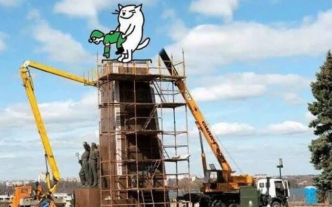 Путинского кота и Ленина в Запорожье объединили в одной карикатуре