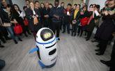 Робот впервые напал на человека, сеть взбудоражена: появились фото и видео