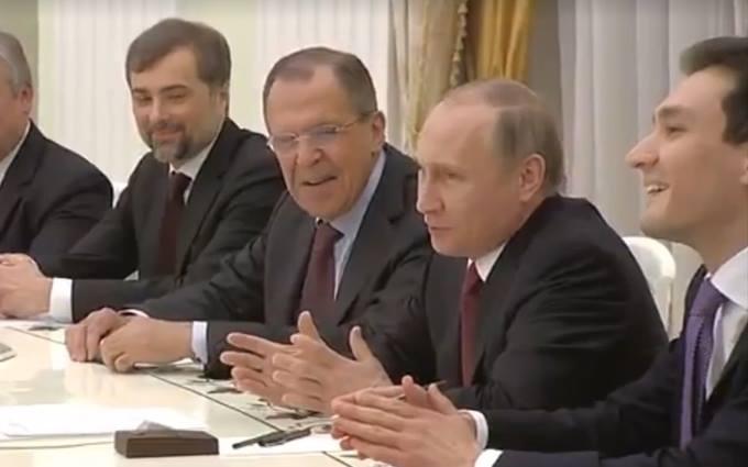 В России на примере американца показали, что Путин - гопник
