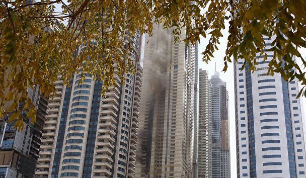 Один із найвищих хмарочосів горить в Дубаї: з'явилися фото і відео (1)