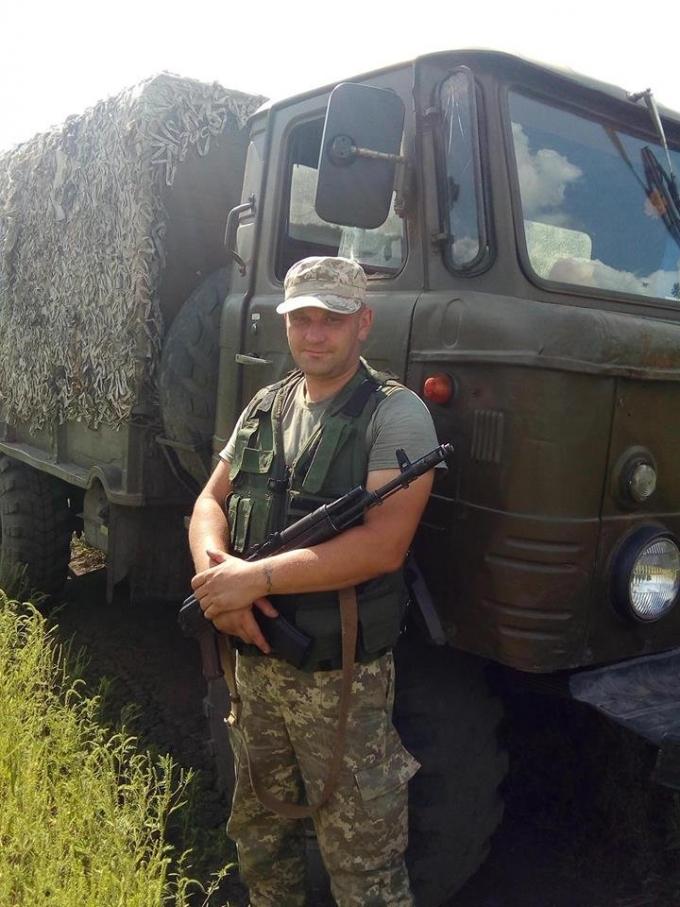 На Донбассе от пули вражеского снайпера погиб украинский военный: опубликовано фото (1)