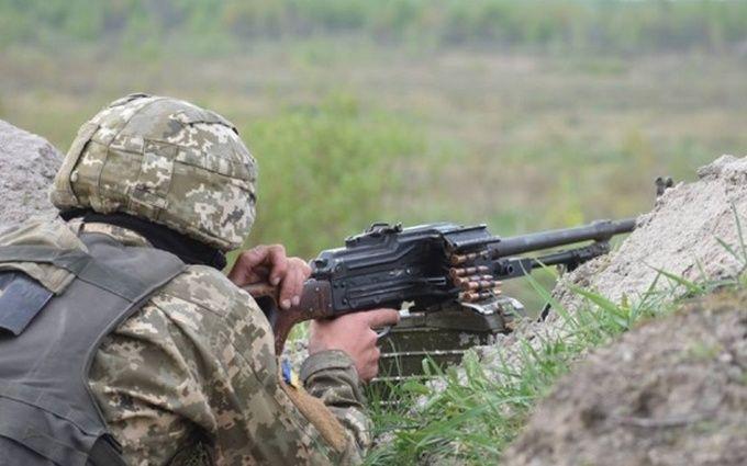На Донбассе не прекращаются ожесточенные бои: ранены украинские военные