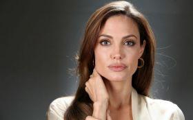 Анджеліну Джолі хочуть позбавити батьківських прав: з'явилися подробиці