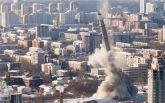 Звалилася в одну мить: з'явилося видовищне відео вибуху 220-метрової телевежі в Росії