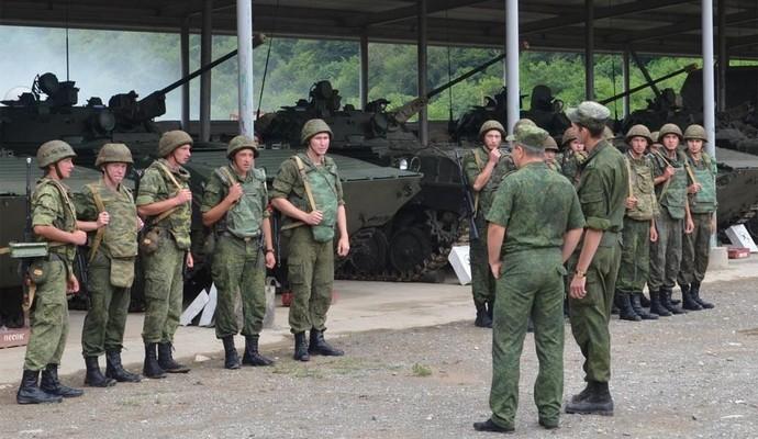 В Крыму внезапная проверка войск, в воздух подняли истребители