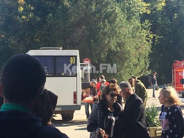 В колледже в оккупированной Керчи прогремел взрыв, десятки погибших и пострадавших: первые жуткие фото (2)
