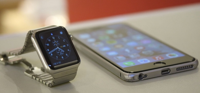 Apple запатентувала незвичайний браслет-чохол для Watch