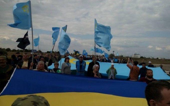 Учасники блокади Криму відзначили її річницю: з'явилися відео