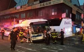 У Нью-Йорку відбулося смертельне зіткнення автобусів: опубліковано відео