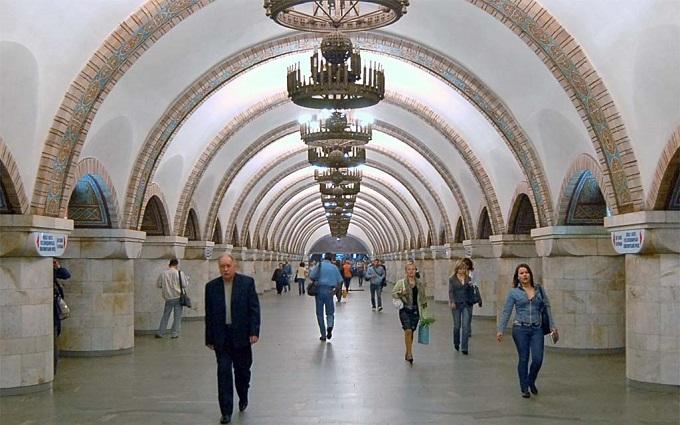 У Києві тимчасово закрили вихід на одній з центральних станцій метро