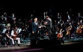 Знаменитый тенор спел с украинским национальным хором и оркестром: появилось видео