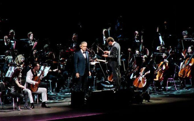 Знаменитий тенор заспівав з українським національним хором і оркестром: з'явилося відео