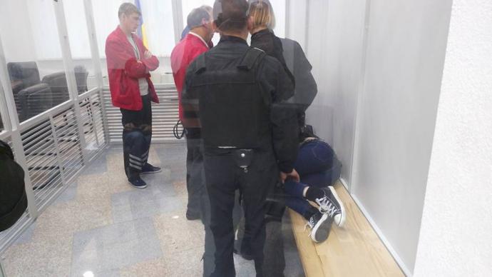 """На суд над одіозною активісткою з """"Айдара"""" прийшла Савченко: опубліковані фото (2)"""