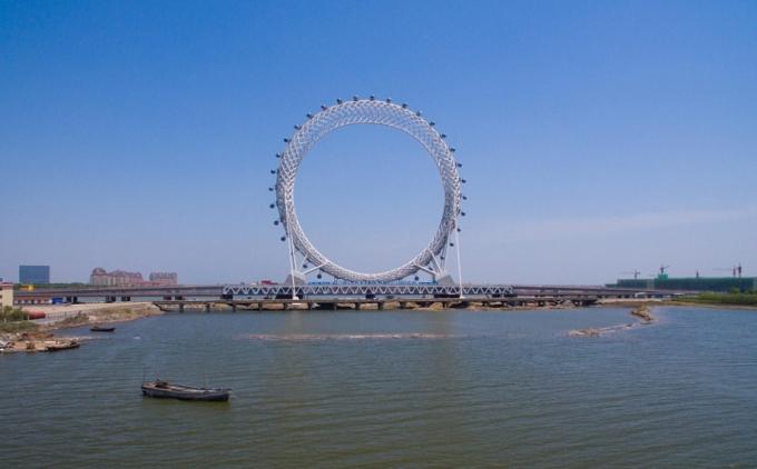 У Китаї створили найбільше в світі оглядове колесо без спиць: з'явилися фото і відео (3)