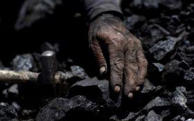 На окупованому Донбасі стався обвал на шахті: є постраждалі