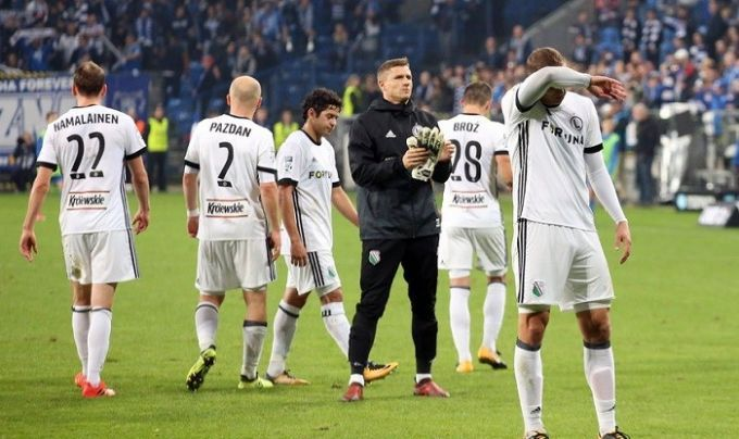 Фанаты польской «Легии» напали нафутболистов команды после поражения