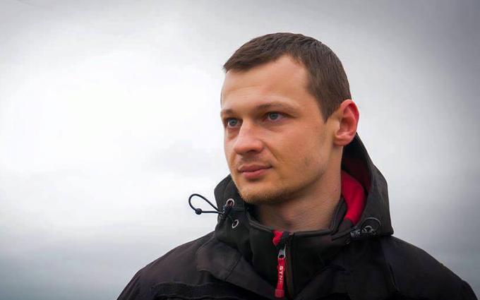 """Скандальный нардеп выложил в сеть фото избитого лидера """"Азов-Крым"""""""