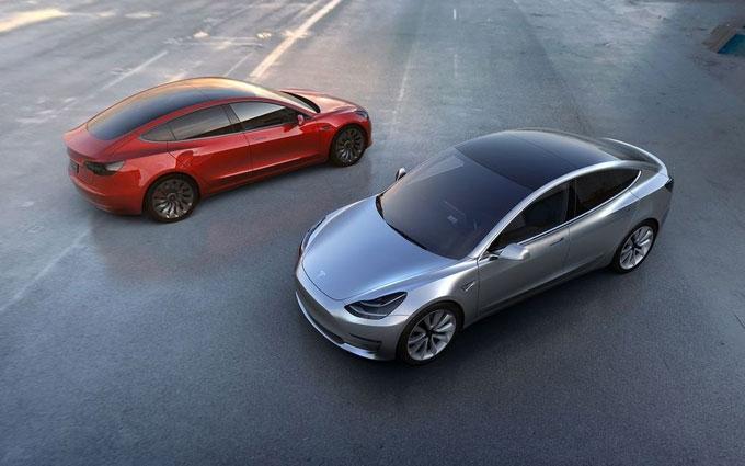 Tesla представила новий електромобіль Model 3: опубліковано фото і відео