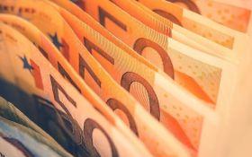 Курс валют на сьогодні 22 січня: долар подешевшав, евро дешевшає