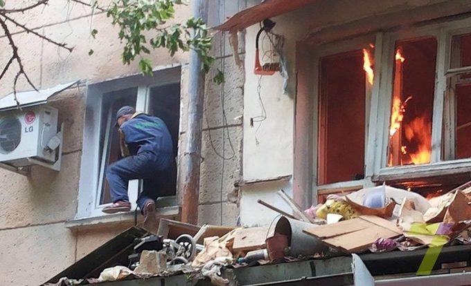 В одесской пятиэтажке прогремел взрыв, есть погибший: появились фото