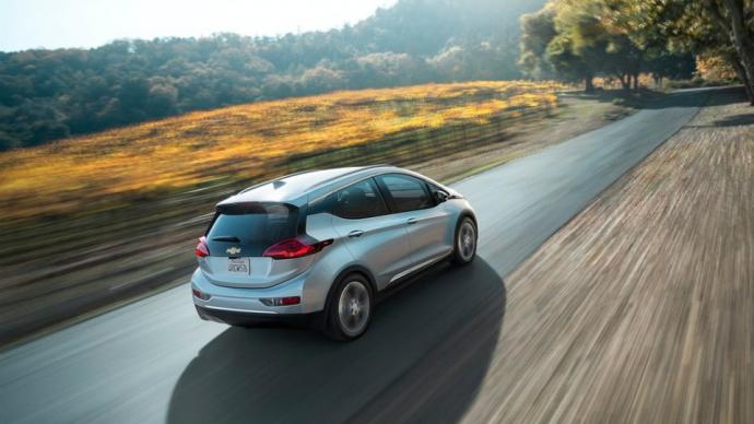Електрокар Chevrolet Bolt отримав 200-сильний мотор (5 фото) (1)