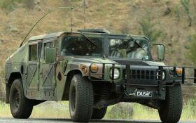 США предоставит 40 медицинских автомобилей Hummer украинским военным