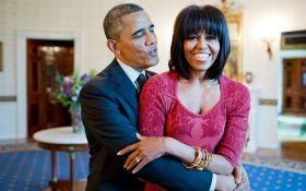 Через 25 років ми все ще веселимося: Мішель Обама показала архівне фото з весілля