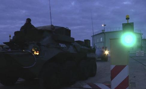 Россияне стянули в оккупированный Крым военных и спецтехнику: что случилось (2)