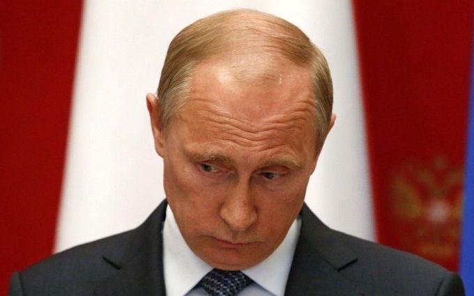 Путіну нагадали, як він визнав Крим українським