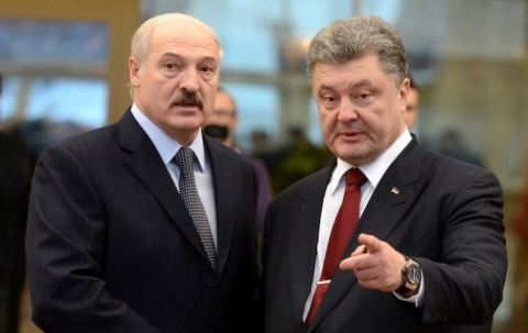 Порошенко привітав Лукашенка з перемогою на виборах